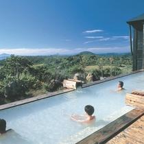 *【露天風呂】遮るもののない空間で、美しい自然の風景と温泉を満喫!