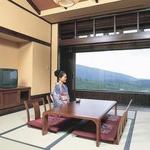*【客室一例】畳のお部屋でのんびりとお過ごし下さい。