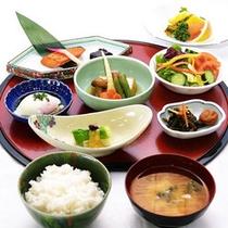 *【朝食一例】体に優しい和朝食。しっかり栄養補給!