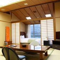 【和洋室 24㎡ バス・トイレ付】 最上階の4階、眺望が良好です。ベッドはシモンズ社製
