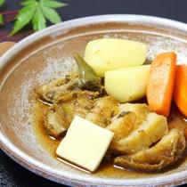 ◇オプション料理◇アワビのステーキ、2,500円。ご宿泊日の3日前までにご予約下さい。