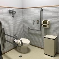 【バリアフリートイレ】1階のロビー階にバリザフリートイレを設置しています