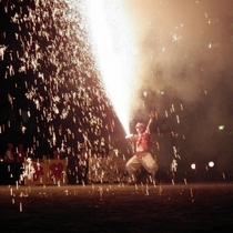 【手筒花火100本】7月27日(土)サンバパレードに合わせて20:20頃から泉公園にて開催されます。