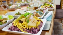 *【夕食一例】地元の旬の食材を使った郷土料理をご賞味下さい