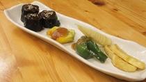 *【夕食一例】地元の季節の食材を使った田舎料理をご賞味下さい