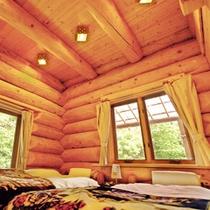 丸ログコテージ寝室