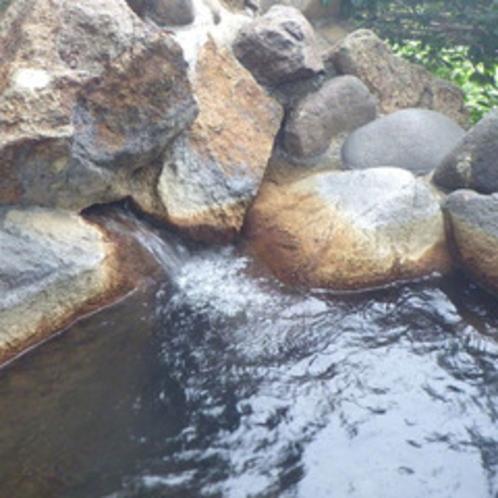 *露天風呂/四季の風や、空気の中、寛ぎの湯の時が楽しめます。