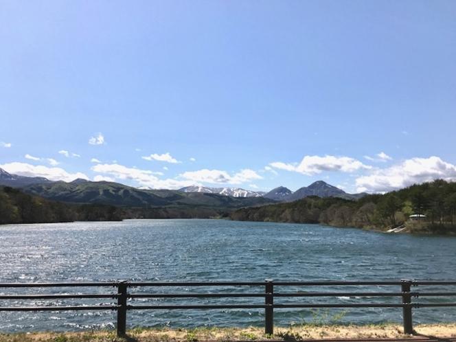 千貫石堤/温泉裏山にあります