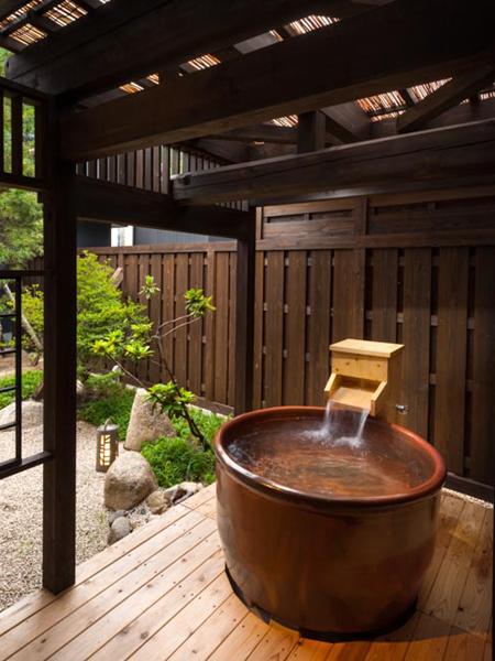 客室付露天風呂一例
