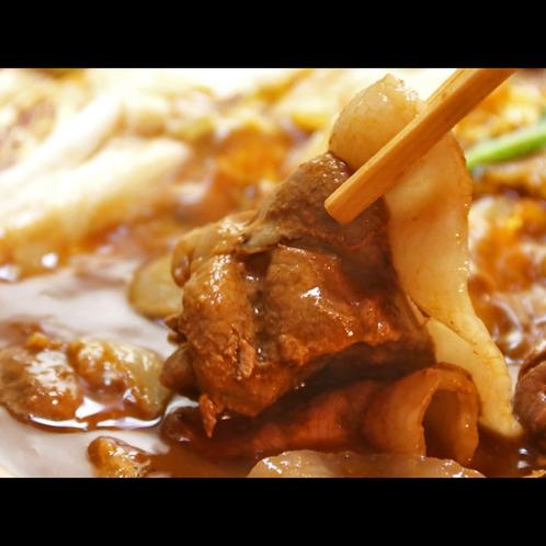 猪肉の脂はさらりと舌の上で溶け、上品な甘みが広がります。