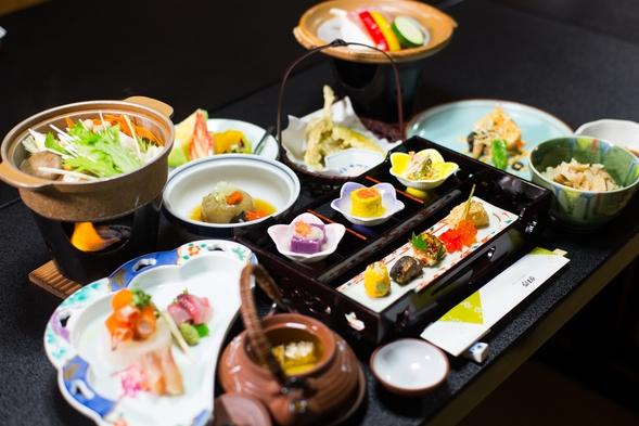 富士屋 スタンダードプラン 料理長自慢の里山会席料理をご堪能下さい。