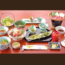 【お夕食一例】旬の山海の恵みを盛り込んだ信州の恵みたっぷりの和食をご提供