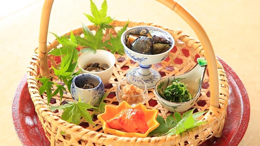 朝食一例 籠盛の菜