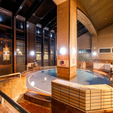 【夏旅セール】〜素泊り〜金沢西インター1分の天然温泉!ファミリー、カップル♪10種類の浴場で温泉三昧