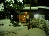 白・雪の宿(26年1月10日撮影)
