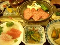 旬な食材を使った、郷土料理の夕食です。