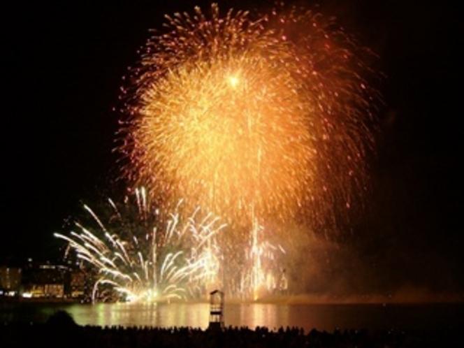 夏の風物詩、白浜の花火大会