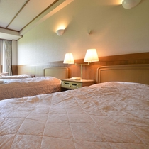 *ゆっくり寛いでいただけるよう、暖色系のパステル色で統一されたお部屋です。