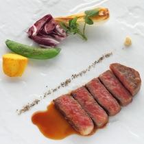 <松阪牛ステーキ一例>日本一のブランド牛を、素材のおいしさそのままにステーキでどうぞ。