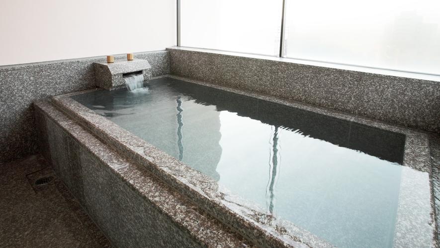 *<大浴場-露天風呂>美肌の湯としても有名な白浜温泉のお湯。お風呂上がりの肌はすべすべもちもち。