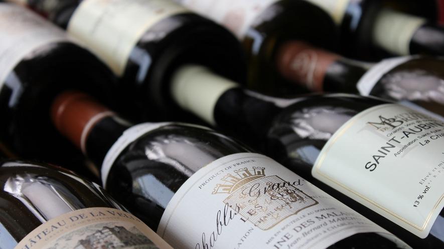 *お料理に合わせて気軽にお選びいただけるワインを揃えております。お料理と一緒にいかがですか?