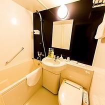 ユニットバス画像 各客室にバス・トイレ設置しています