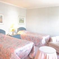 208号室 Bordeaux 37㎡ ツイン アメニティ ロクシタン