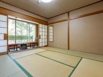 和室四人部屋(バス・トイレ付き)