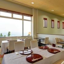 *お食事レストラン/大切な人と安らぎに満ちた空間が広がります。