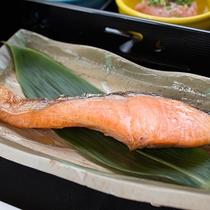 *ご朝食(一例)/焼き鮭