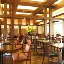 【THE DINING 暖琉満菜(だんりゅうまんさい)】広々した店内風景