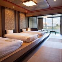 琉球ルーム/ご家族・グループに嬉しい広々した48平米の和室ベッドルーム。