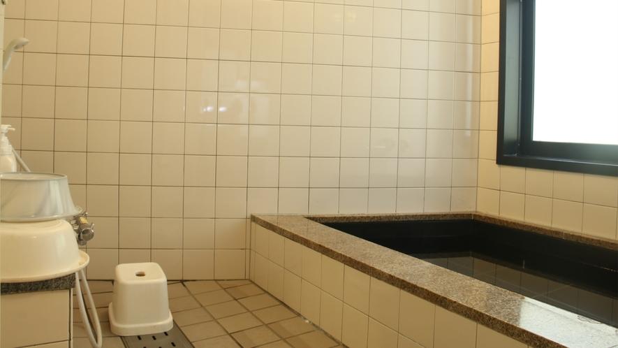 共同の浴室