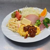 【朝食一例】卵料理、サラダ、スープ等がつきます