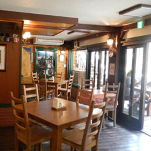 グリル六甲店内(1階レストラン)