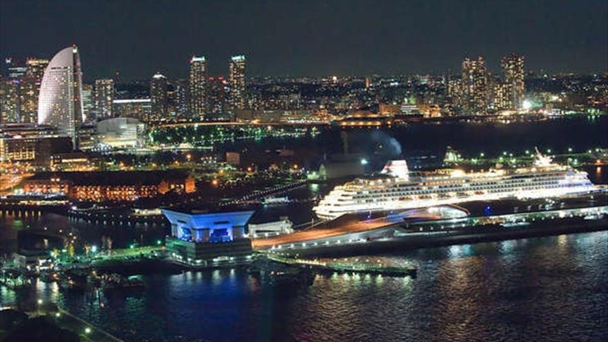 ディナークルージングで、横濱の夜を満喫して