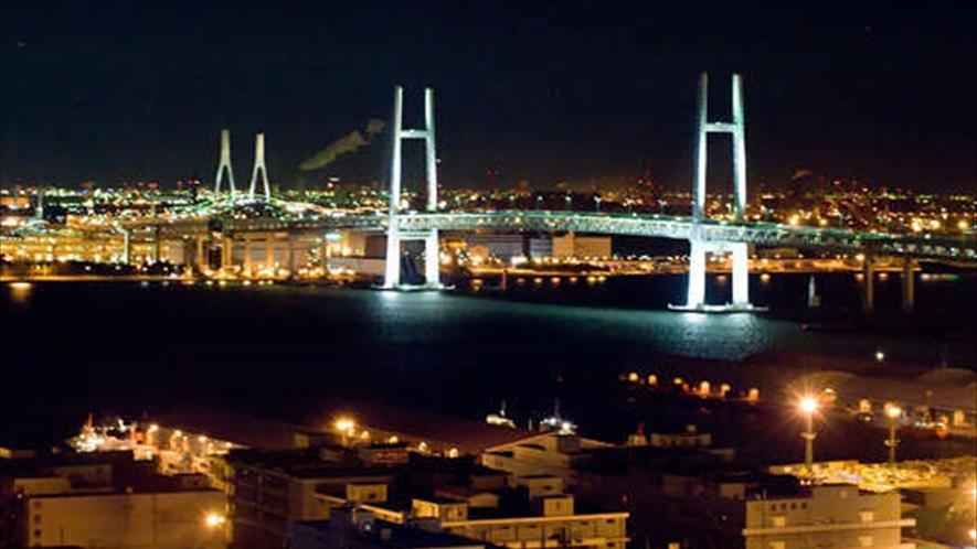 横濱の夜景は思い出に残る美しさ☆ドライブでも楽しむ事ができますね
