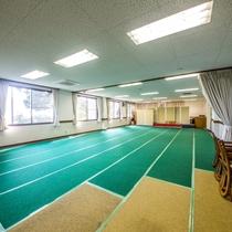 大研修室:60畳大のフローリング