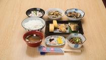 *朝食(和食一例)/朝食は日替わりで、和洋食をご用意させていただきます。