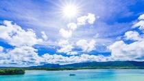 **ミシュランで三つ星を獲得した国の名勝・川平湾。石垣島に来たら必ず訪れたい絶景スポット
