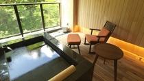 ◆温泉露天風呂付スイート(一例)/ツインベッド+畳スペースの、和洋室タイプとなります。