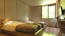 ◆和洋室(客室一例)/ツインベッド+畳スペースの、52平米の和洋室
