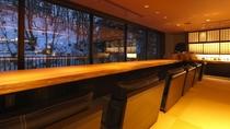 ◆カフェ&バー[アペ]/ラウンジの一角には、ゆったりとした時を過ごせる空間をご用意しております。