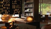 ◆ラウンジ[アペソ]/旅の夜長、薪のはぜる音を聴きながら、読書・音楽鑑賞を愉しむ。