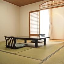 【和室】ご家族、グループにオススメ!海側と山側のお部屋がございます。