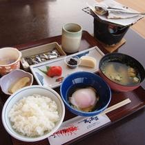 【ご朝食】和朝食をご用意いたします。しっかり食べて1日の元気をチャージして下さい。