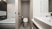 独立型のトイレ&バスルーム