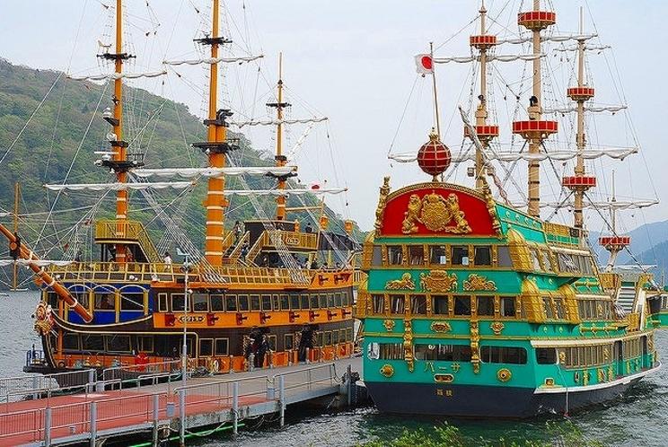 芦ノ湖海賊船