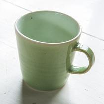 マグカップ、実用的なモノを作ります。