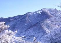 冬には、雪景色の大文字焼が見渡せます。